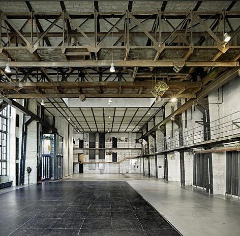 Eventlocation-Industrie-ewerk-Berlin-Halle-F-Blick-Ost-gerade-472x466