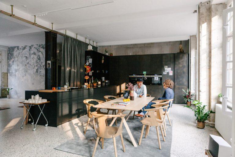 Freunde-von-Freunden-Friends-Space-Siemens-Kitchen-4078-1-1600x1067